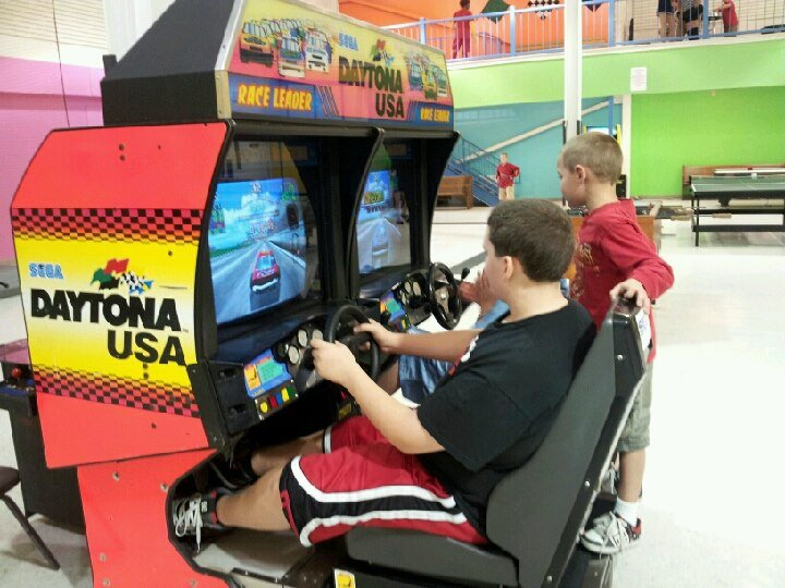 Double Daytona Racing Game