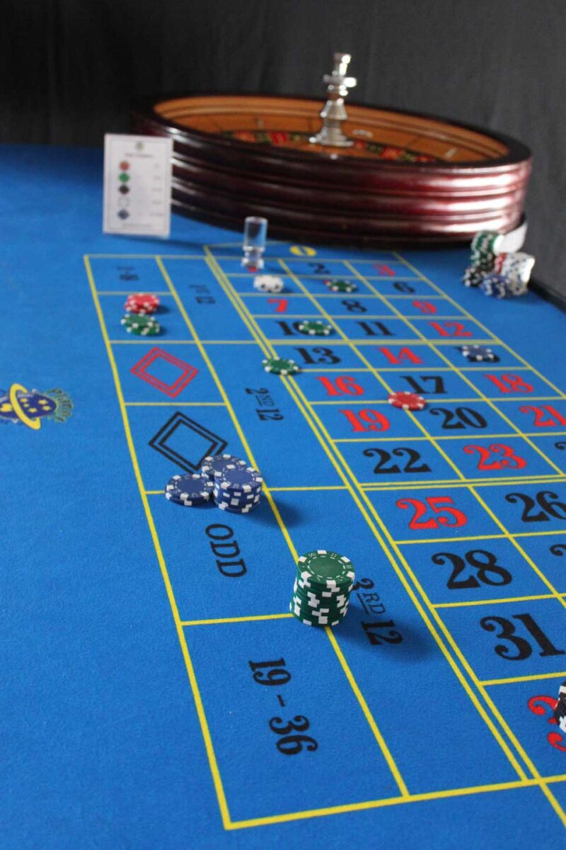 Deluxe Roulette Table